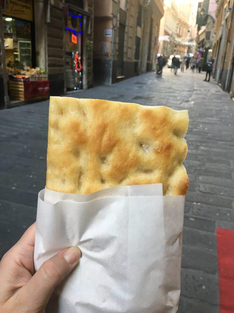 Focaccia e vicoli, this is Genova